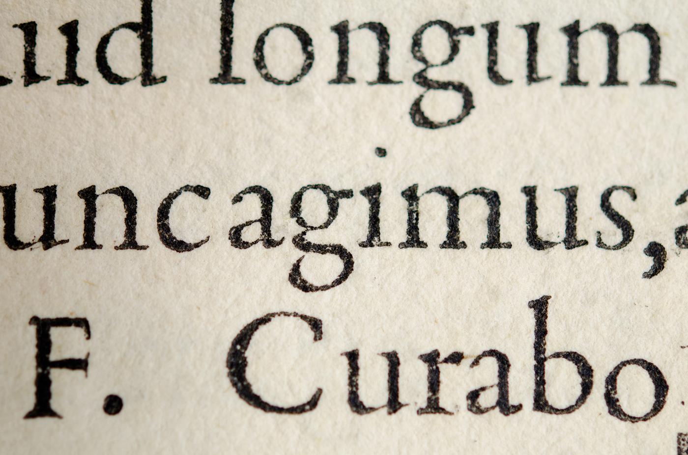 de-aetna-griffo-typeface
